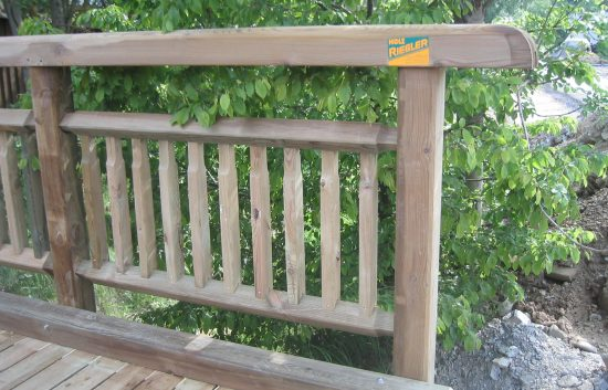 Bau einer Holzbrücke mit Holzgeländer System WEIZ (11)