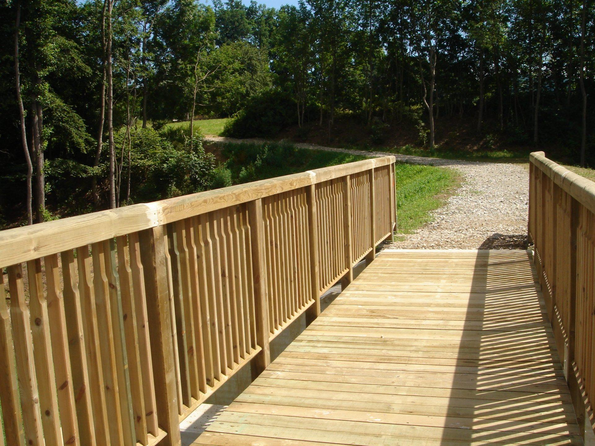 Holzbrücke mit Geländer System RAABA light (3)