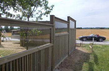 Lärmschutzwand im Selbstbau absorbierend mit Glasaufsatzelementen