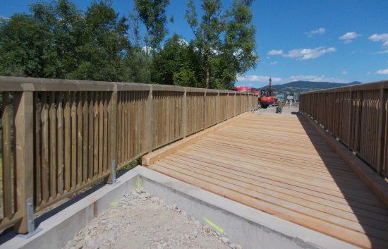 Holzbrücke mit Geländer System Raaba Light - St Peter am Kammersberg - (3)