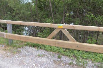 Holzleitschiene mit Holzgeländer Sonderanfertigung für Gemeinde Rosental (7)