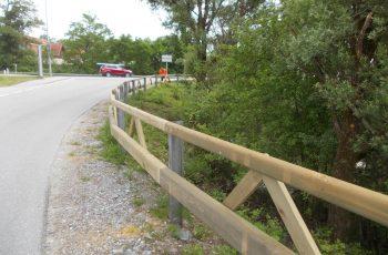 Holzleitschiene mit Holzgeländer Sonderanfertigung für Gemeinde Rosental (6)