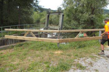 Holzleitschiene mit Holzgeländer Sonderanfertigung für Gemeinde Rosental (5)
