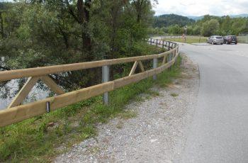 Holzleitschiene mit Holzgeländer Sonderanfertigung für Gemeinde Rosental (4)