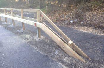 Holzleitschiene - System LBD II b - mit Holzgeländer Sonderanfertigung für Gemeinde Rosental (2)