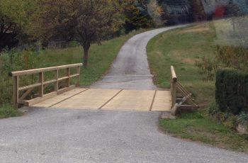 Holzbrücke mit Geländer System HILMTEICH - BST Tregist (1)