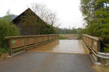 Holzbrücke mit Geländer System RAABA mit doppeltem unteren Holm (3)