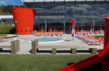 Sitz und Liegebank - Sonderanfertigung Therme Nova (2)