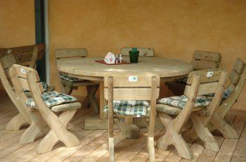 Sitzgarnitur - Franken / Tisch 160 cm, Höhe 75 cm, Sessel 50 x 50 x 85 cm, Sitzhöhe 40 cm. Aus ausgesuchtem Kiefernholz, Kanten gerundet, kesseldruckimprägniert, fertig montiert