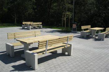 Sitzgarnitur - Trieste / Tisch 180 x 72,5 cm, Höhe 73,5 cm, Bank L:180 cm, Stahl feuerverzinkt und pulverbeschichtet, Betonseitenteile sandgestrahlt. fertig montiert