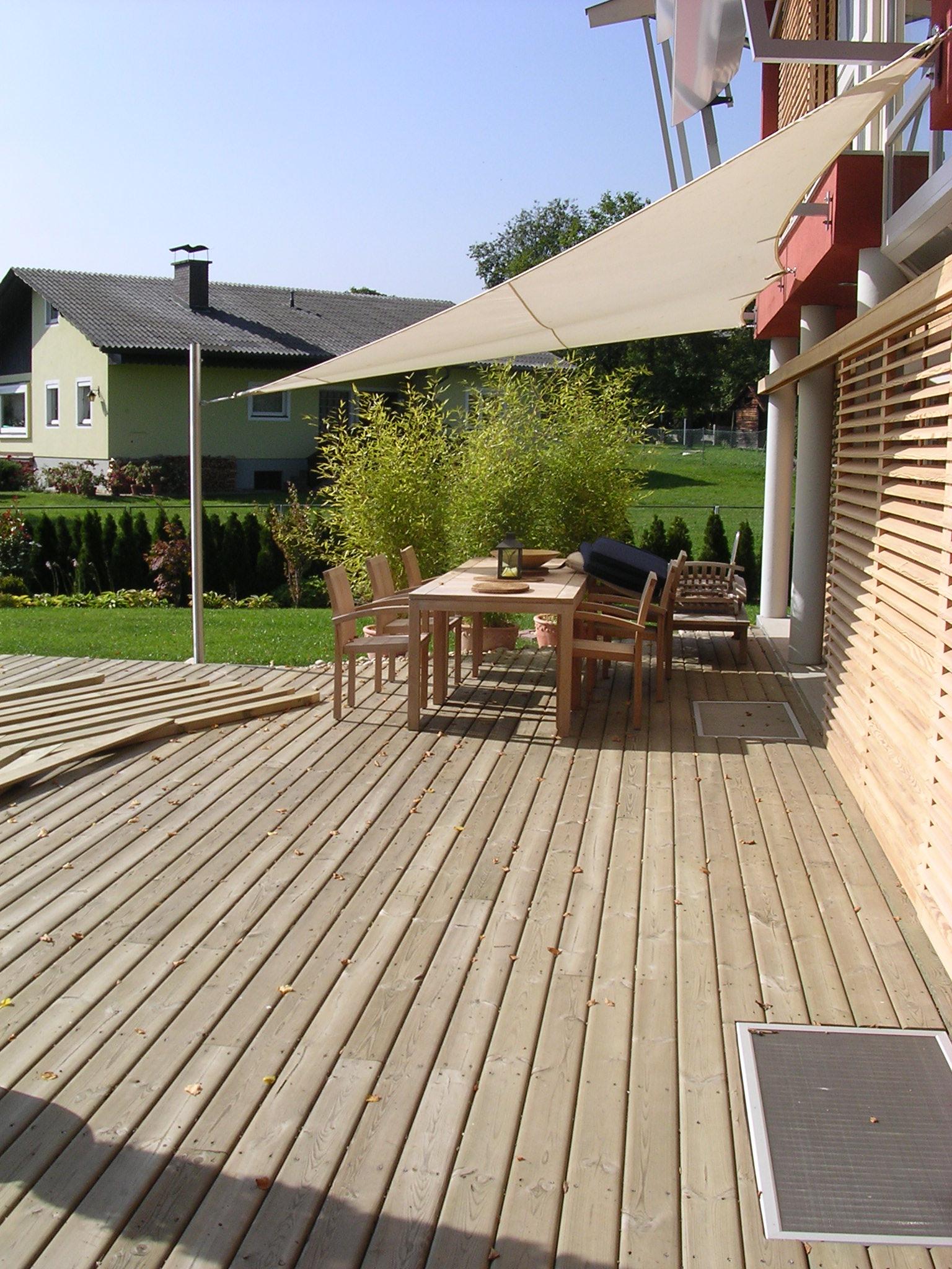 Terrassenböden und Schwimmbadumrandungen aus kesseldruckimprägniertem Kiefernholz (KDI) – Bild 18