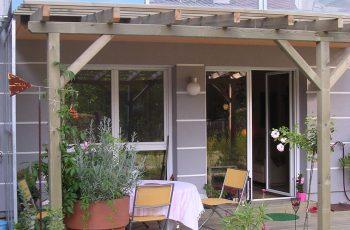 Terrassenböden und Schwimmbadumrandungen aus kesseldruckimprägniertem Kiefernholz (KDI) – Bild 3