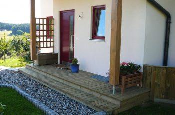 Terrassenböden und Schwimmbadumrandungen aus kesseldruckimprägniertem Kiefernholz (KDI) – Bild 20