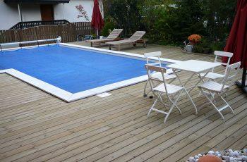 Terrassenböden und Schwimmbadumrandungen aus kesseldruckimprägniertem Kiefernholz (KDI) – Bild 21