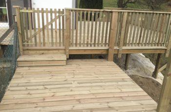 Terrassenböden und Schwimmbadumrandungen aus kesseldruckimprägniertem Kiefernholz (KDI) – Bild 25