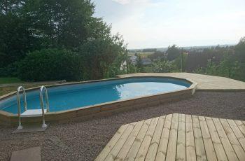 Terrassenböden und Schwimmbadumrandungen aus kesseldruckimprägniertem Kiefernholz (KDI) – Bild 29
