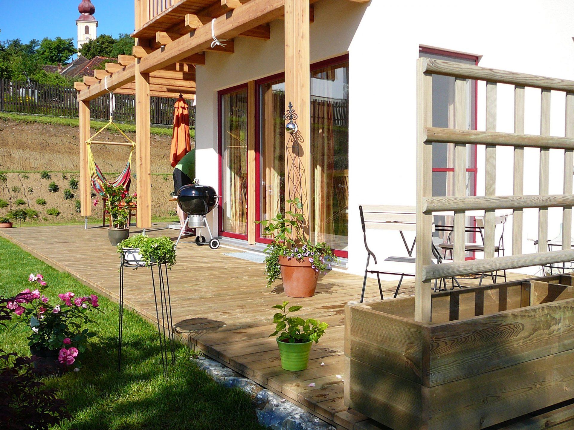 Terrassenböden und Schwimmbadumrandungen aus kesseldruckimprägniertem Kiefernholz (KDI) – Bild 6